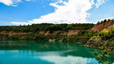 """Photo of """"Mediteransko"""" jezero na Fruškoj gori: Beli kamen pleni bistrinom vode (FOTO)"""