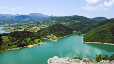 """Photo of Tirkiznim plavetnilom mami: Jezero ROVNI """"krije"""" svetinju (FOTO)"""