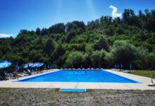 Photo of Počelo kupanje na bazenu u Gostilju, selu najlepšeg vodopada